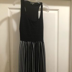 Sundress Black & White size small Bebop